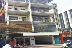 R-BD010070-rent-builidng-facade