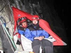 Дима Костюков (справа) и Юра Круглов на отдыхе в горах