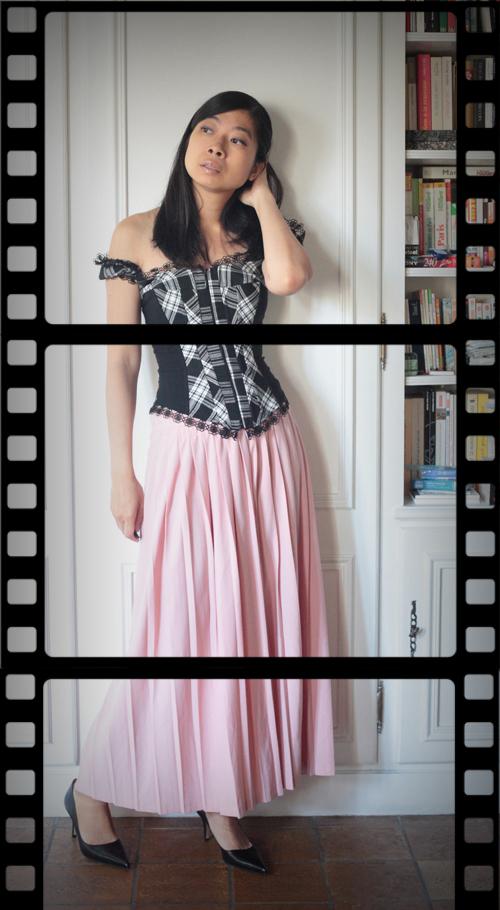~ Du corset, du plissé et du rose ~