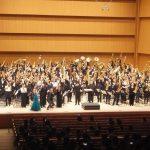【作品紹介ブログ】200人超サクソフォーンオーケストラ「横浜サクソフォンアンサンブル(YSA)」から生まれた《アルヴァマー序曲》(執筆:松下洋氏)