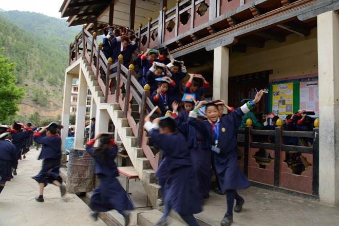 学校での避難訓練