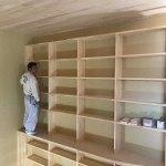 壁面にそびえる本棚!2