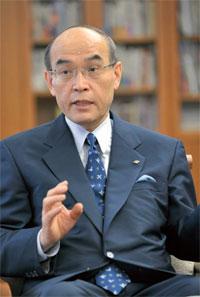 谷本正憲(石川県知事)の餓死発言と倒れる動画が気になる!妻や経歴も調査!