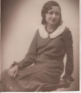 abuelita chelo a los 19 años (1928)