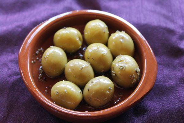 olivas aceitunas aliñadas