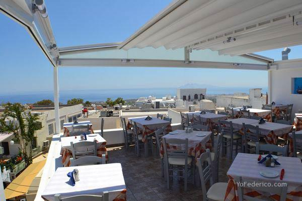 Parea Tavern, en Santorini, Grecia