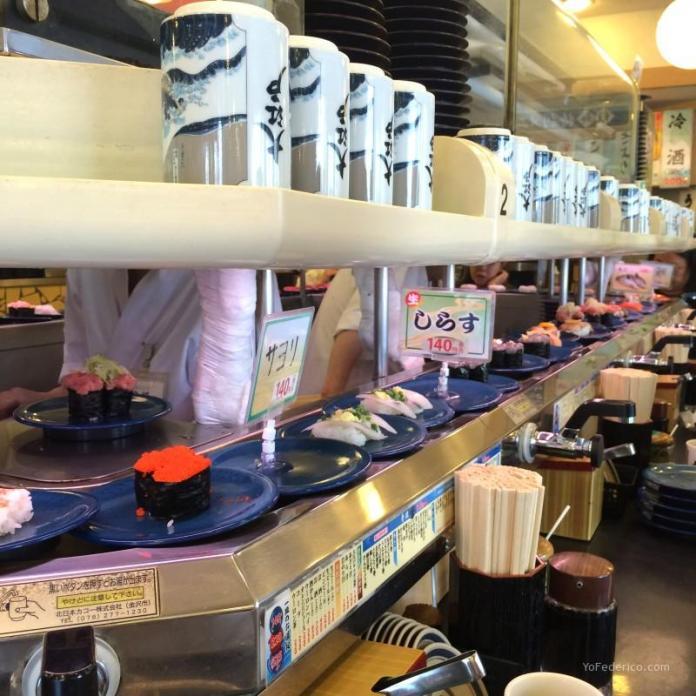 Kaiten Sushi en Tokyo, Japón