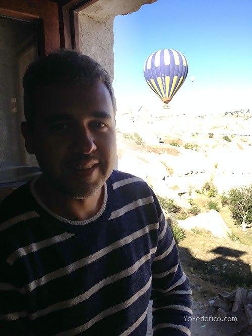 Vista desde la habitación del hotel que reservamos en Capadocia con Airbnb!