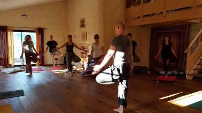 Cours de Yoga Ashram Anâkhya en Provence