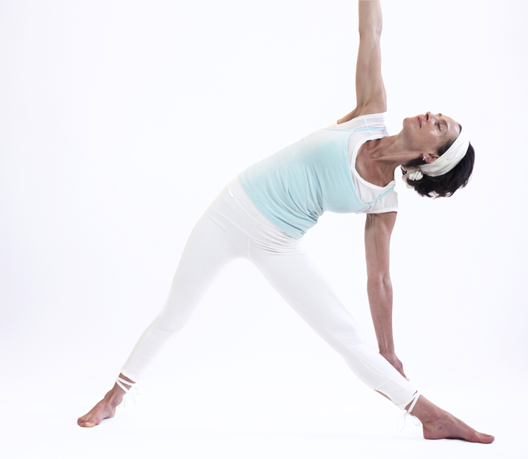 trikonasana posture yoga vata yoga&vedas