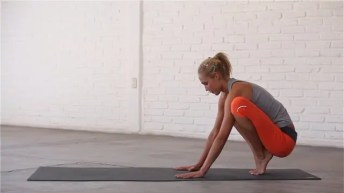 This sequence challenges the stabiliser muscles.