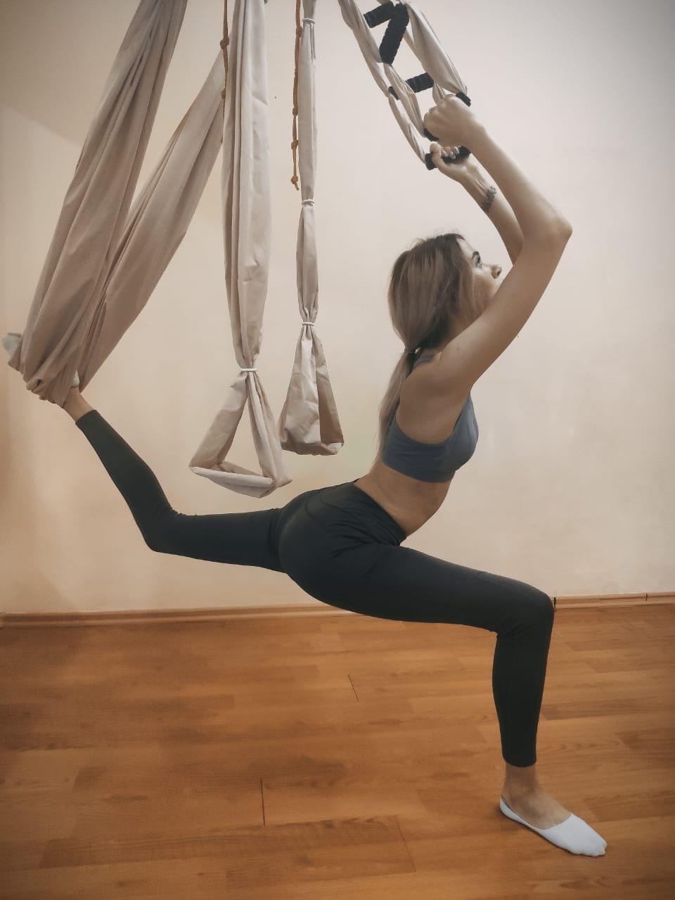 Йога в гамаках - для баланса и целостности.