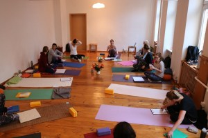 Yoga Ausbildung 2018 - 2019 bei Yoga & Cure. Dr. med. Wiebke Mohme freut sich auf Dich & Dein Yoga Interesse.