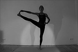Auch diese Yoga Ausbildung & Yogalehrer Ausbildung wird von Dr. med. Wiebke Mohme geleitet. Diese Yogalehrer Ausbildung ist eine 300 + Stunden Ausbildung, nach Yoga Alliance zertifiziert und garantiert ein Höchstmaß an Qualität. Dr. med. Wiebke Mohme obliegt die medizinische, fachliche & yogische Leitung.