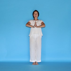 Le Yoga est une discipline holistique qui considère que lêtre humain doit être considéré dans sa dimension physique, énergétique & spirituelle.