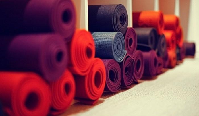 storia tappetini yoga