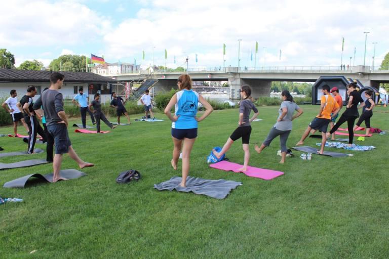 warm up international yoga day heidelberg
