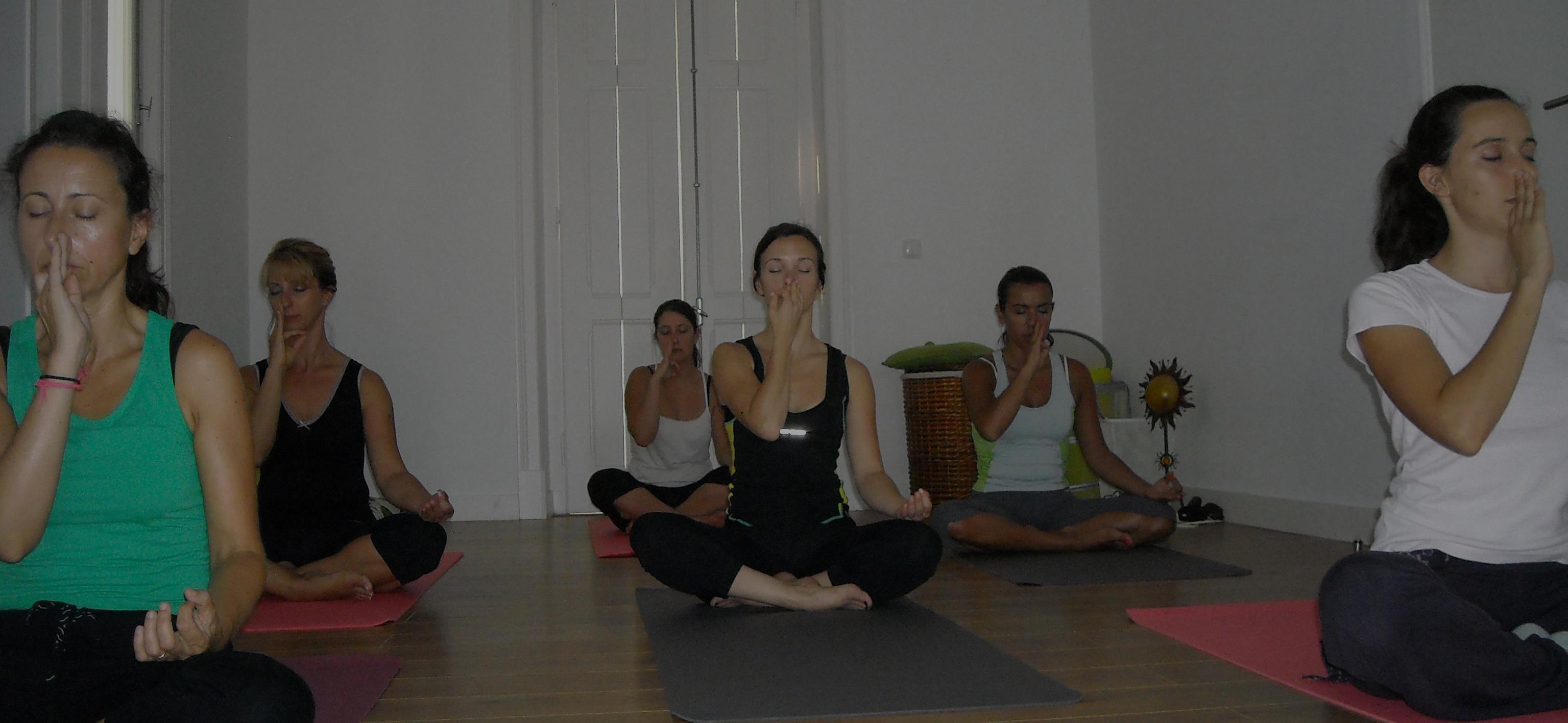 aulas de yoga grupo