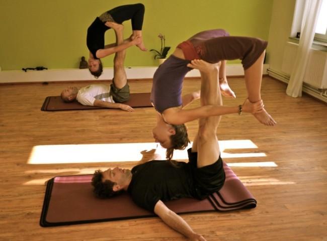 YMS Acro Yoga in Halle