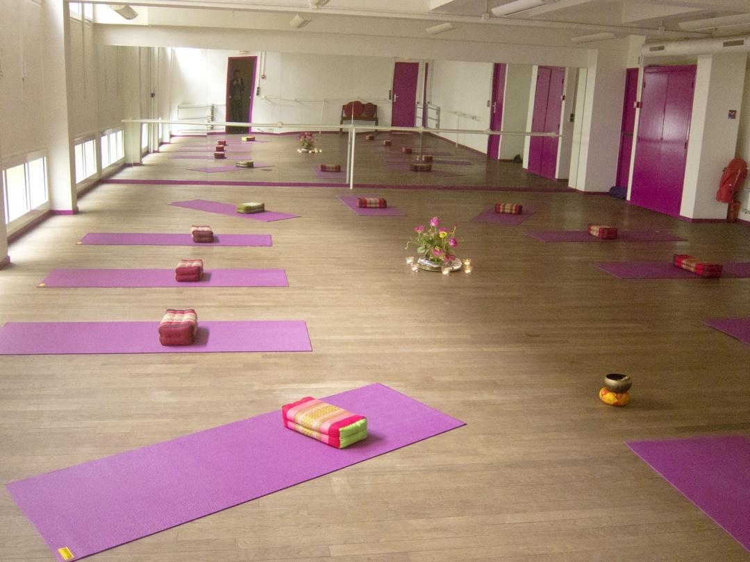 salle yoga monte cristo yogamanjali paris 20 yogamanjali. Black Bedroom Furniture Sets. Home Design Ideas