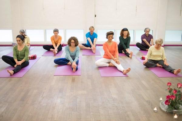 Stages Cours Yoga tout niveaux hatha exercices posture yogamanjali filla brion Paris 20