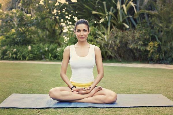 MalaikaArora doing yoga