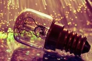 Erleuchtung Yoga © light-bulb-3056033/Pixabay