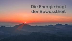 Berge, Sonnenuntergang, die Energie folgt der Bewusstheit Pawanmuktasana Serie 1 © Annette Bauer Yogannetteblog.de