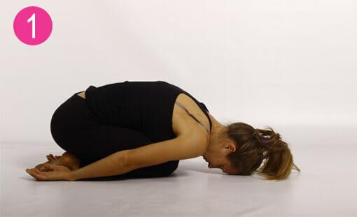 6 posizioni Yoga e 2 respirazioni da fare prima e dopo lo sci
