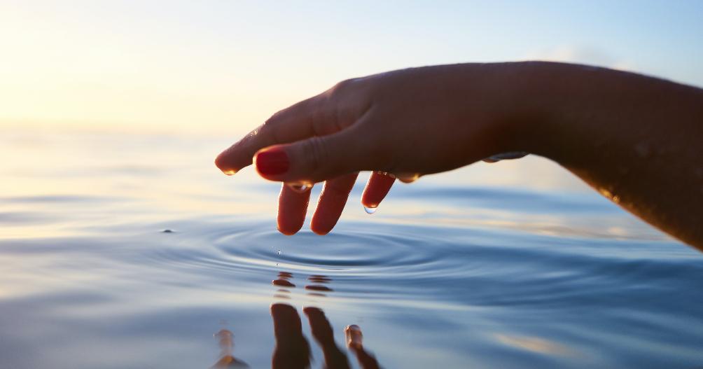 Element water yoga kracht_800x420