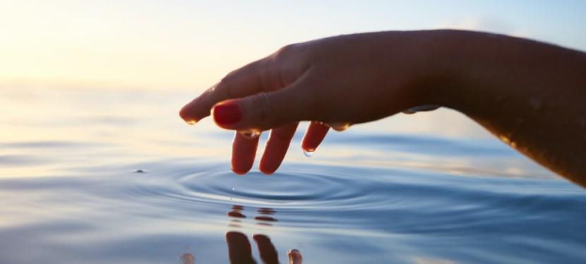 Yoga en de elementen: water als flexibele kracht
