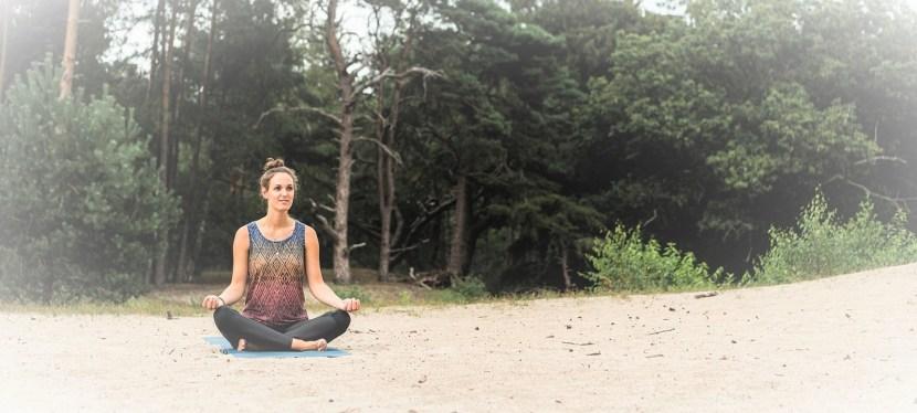 3 Yoga Outdoors oefeningen voor ontwaken in de natuur