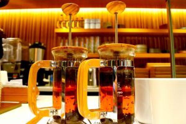 HYDRAL YOGA TEA TOKYOの国産オーガニック紅茶がレクサスのカフェで楽しめる。