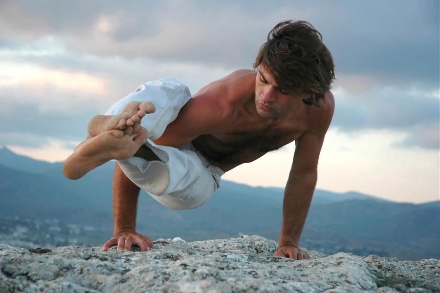 12459g-asanas-yoga-hombres-posturas