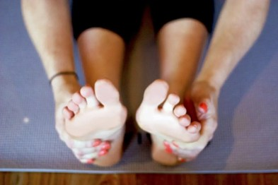 brochure feet