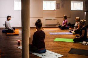 online-pranayama-class-yoga-with-sunil