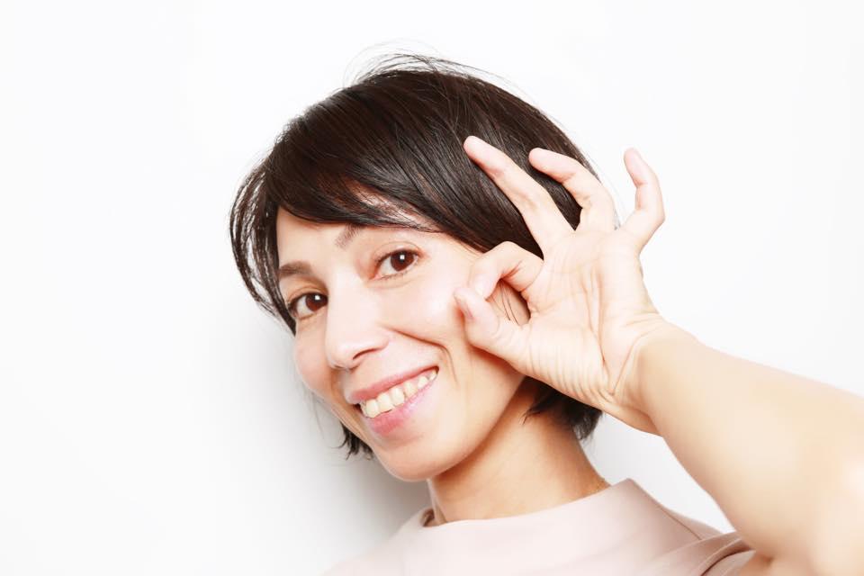 沖縄の女性ヨガ講師盛島美奈子