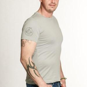 yoga-freizeit-shirt-herren-grau-bio-baumwolle-nachhalitge-zertifizierte-yogamode