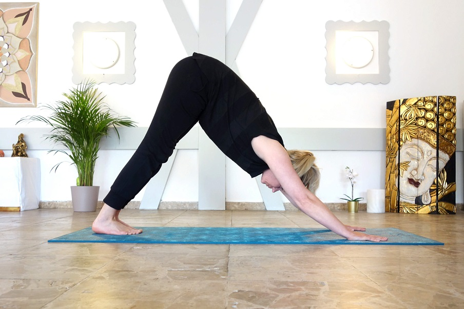 parvatasana_yog_temple_yoga_bei_burnout