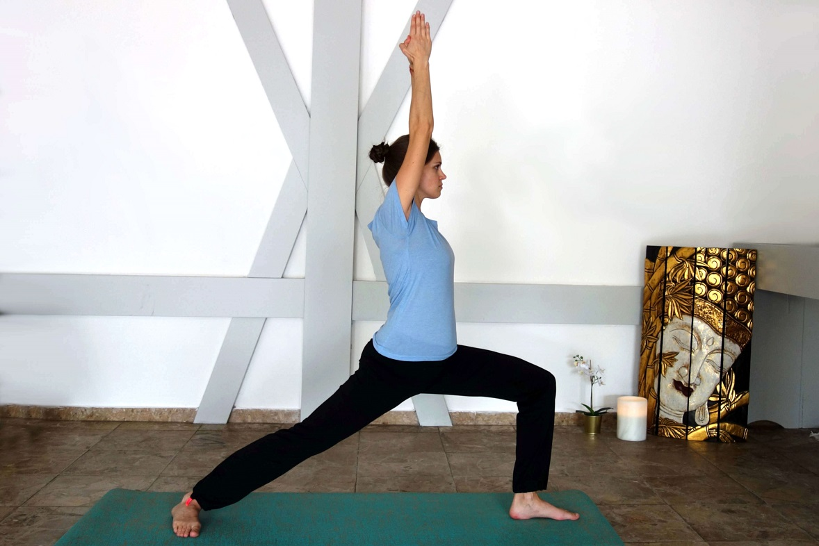 yoga_in_the_first_trimester_yog_temple_yogateachertraining_virbadrasana