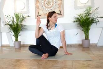 ardhamatsyendrasana_yog_temple_yoga_for_depression