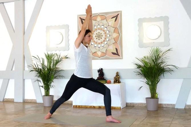virbhadrasana_yog_temple_yoga_for_depression
