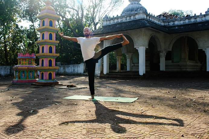 utthitahastapadangusthanasana yogtemple - Yoga Asana Glossary