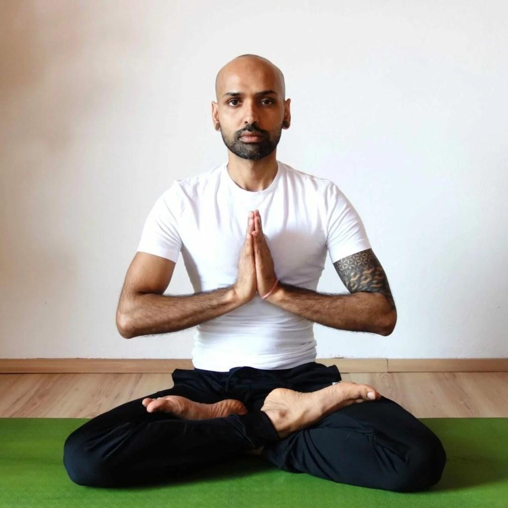 yog_temple_padmasana