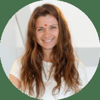 laura - Yoga Teacher Training Sweden