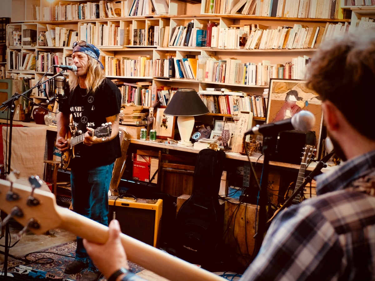 Live session #5 – ZAK PERRY and the beautiful things