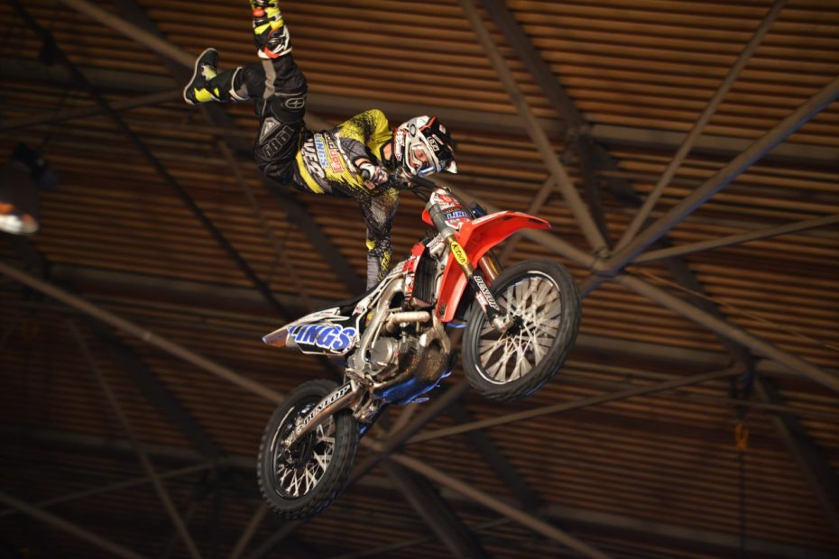 stunt-1