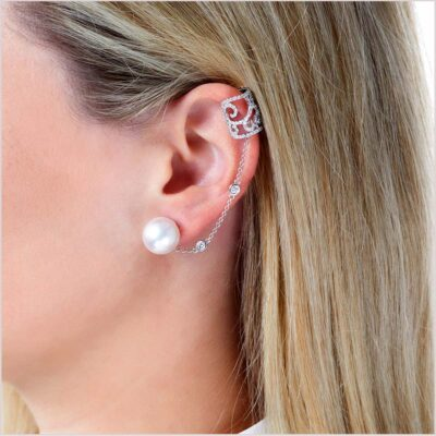 Yoko London Novus Diamond and South Sea Pearl Ear Cuff