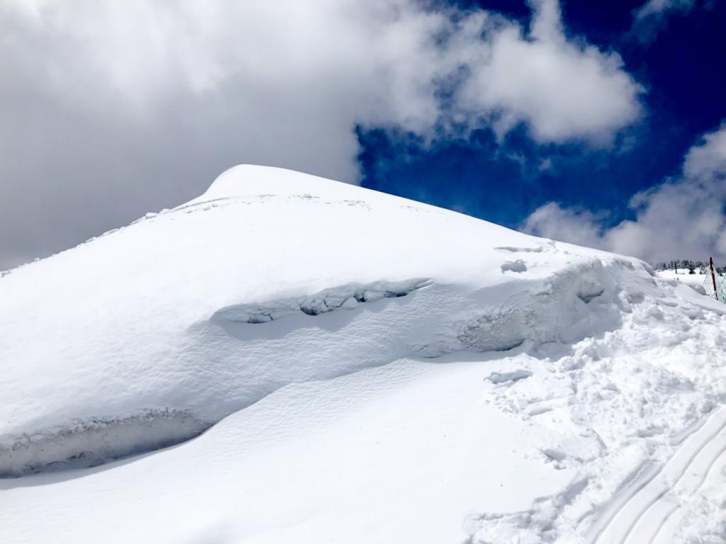 5月なのにパウダーの横手山渋峠スキー場