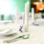 Festlich gedeckter Tisch im Restaurant